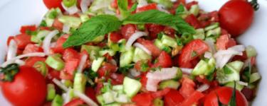 Çoban salatası – Rezept für Hirtensalat