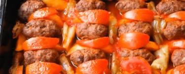 İzmir Köfte – Rezept für türkischer Frikadellen Eintopf