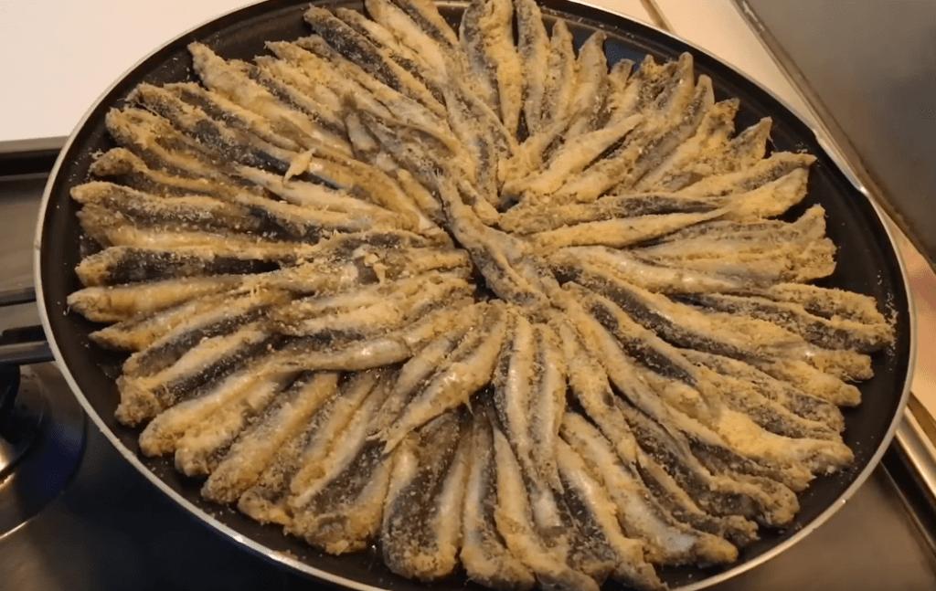 Hamsi Kizartma - Türkische Sardellen gebraten - Rezept auf deutsch