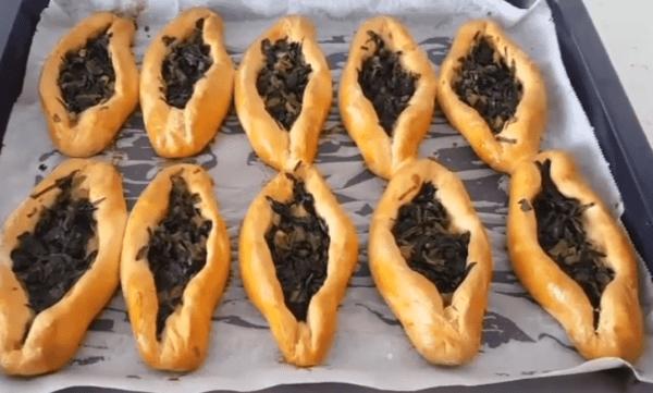 Ispanaklı Pide Tarifi: Fladen mit Spinat - Rezept auf deutsch