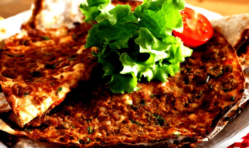 Lahmacun Tarifi: türkische Pizza - Rezept auf deutsch