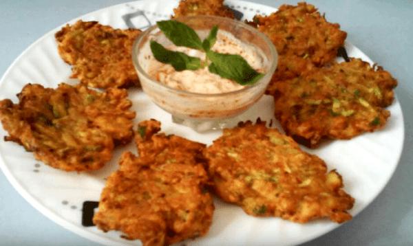 Mücver Tarifi: Zucchinipuffer - Rezept auf Deutsch