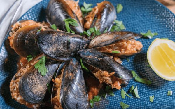 Midye Dolma Tarifi: reisgefüllte Miesmuscheln - Rezept auf Deutsch