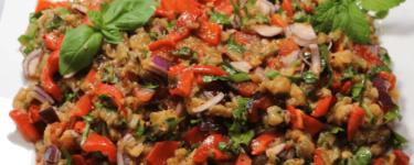 Patlıcan salatası – Rezept für Auberginensalat