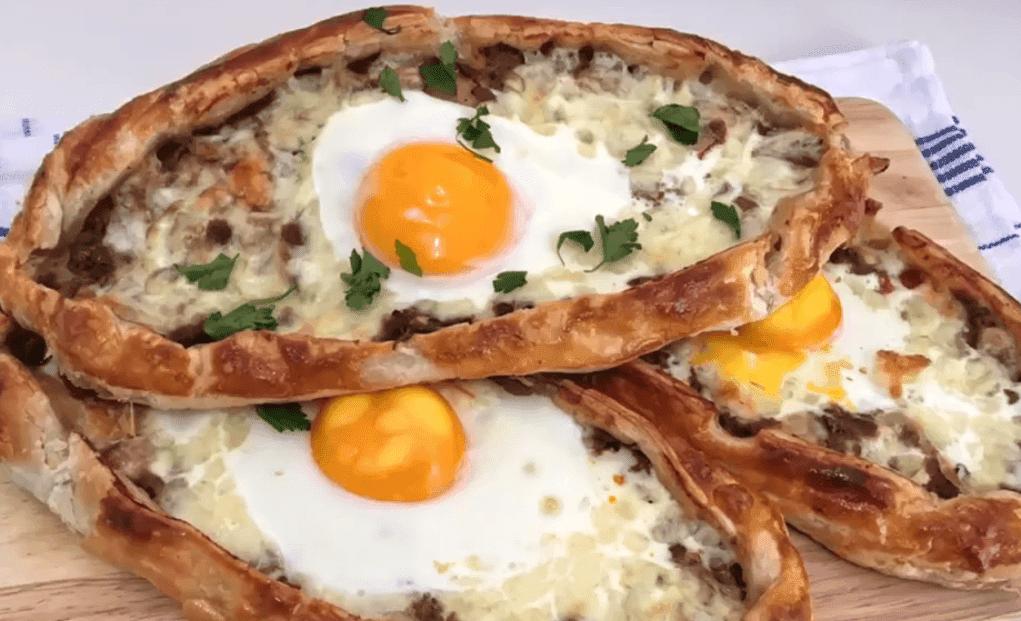 Yumurtalı Pide Tarifi: Fladen mit Ei - Rezept auf deutsch