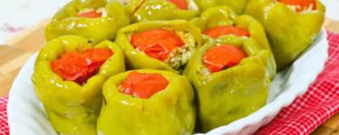 Biber Dolması: Rezept für gefüllte Paprika